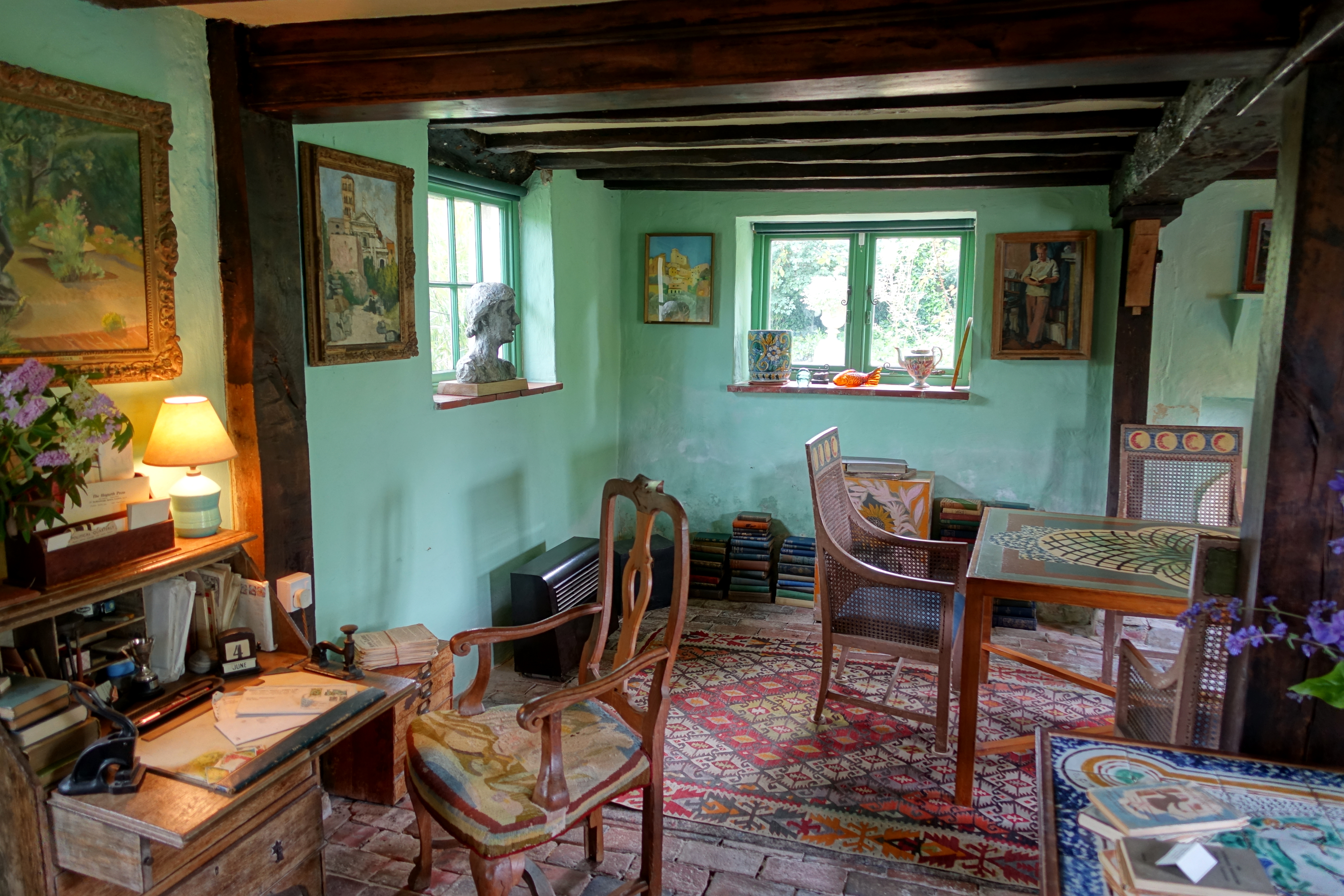 Virginia Woolfu0027s Sitting Room At Monku0027s House, East Sussex, One Exemplary  Space Of Modernist Production And Collaboration. Courtesy Wikimedia Commons.