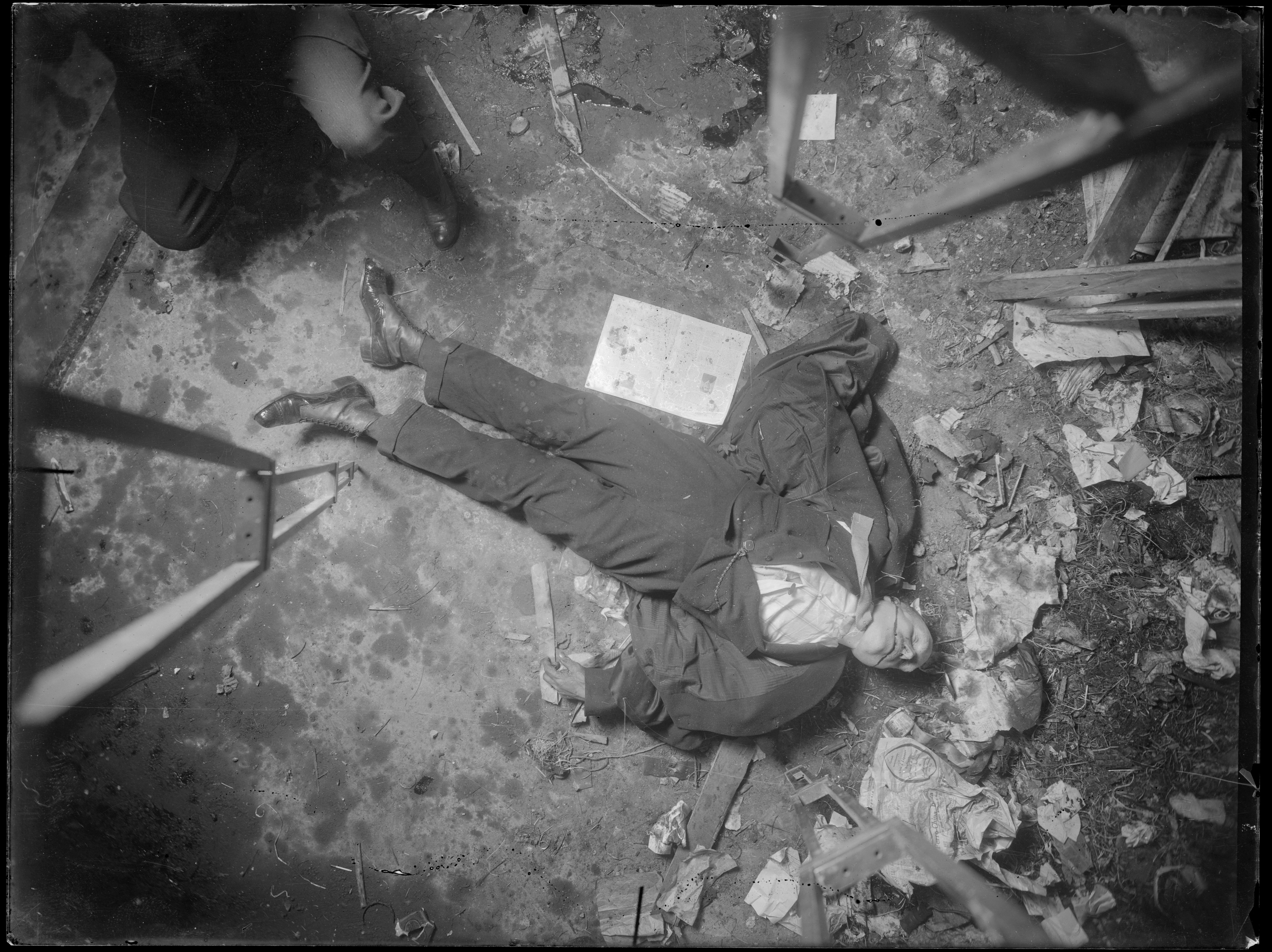 The utilitarian photographic view from above. New York City crime scene, 1914–18.