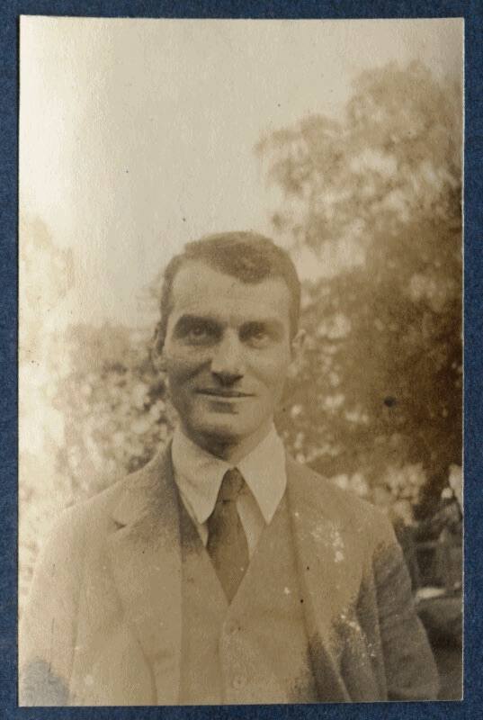 John Middleton Murry, photograph by Lady Ottoline Morrell, 1917.