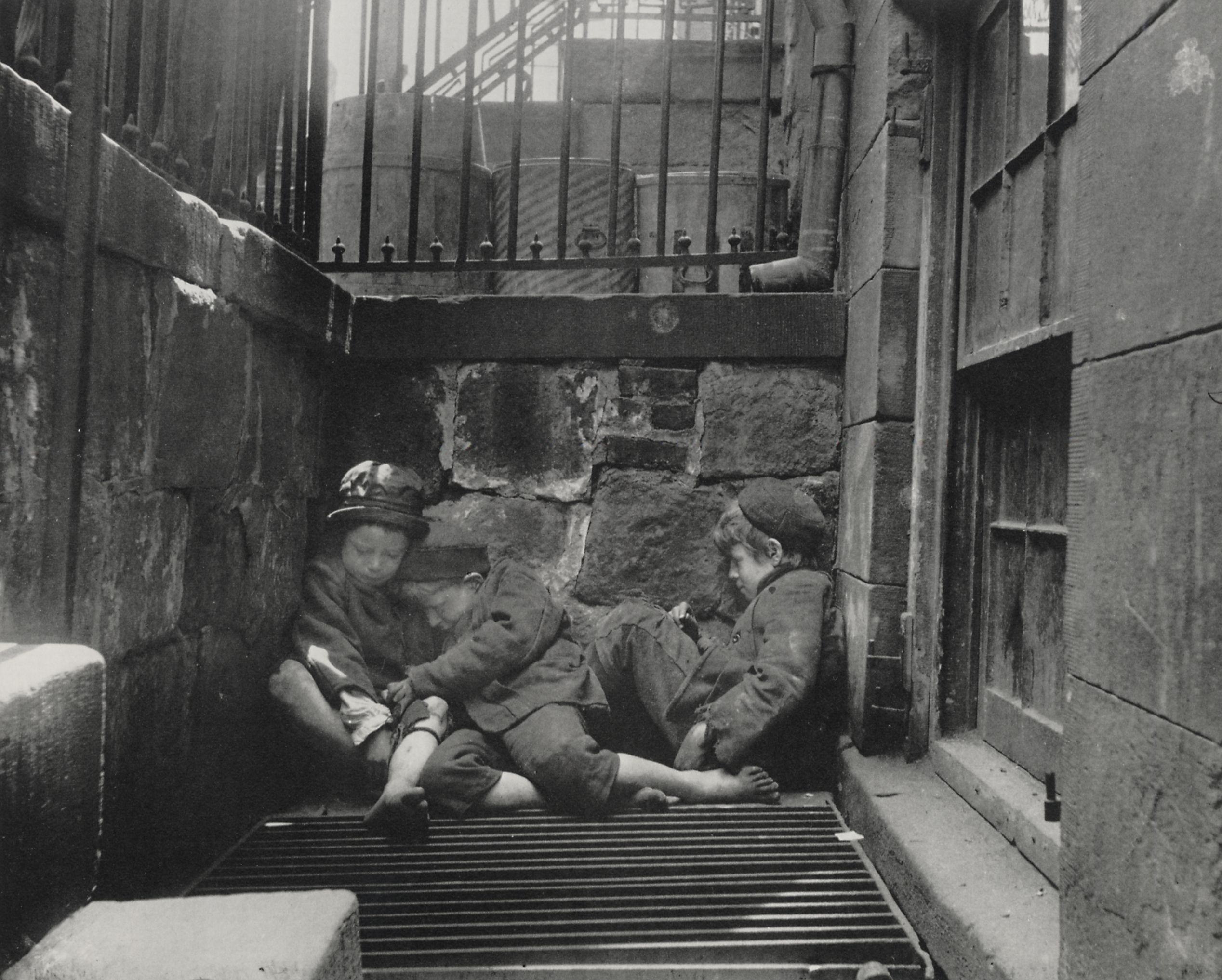 Jacob Riis, Children sleeping in Mulberry Street, New York City, 1890