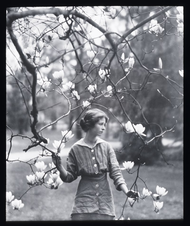Portrait photograph of Edna St. Vincent Millay, 1914. Photo by Arnold Genthe.