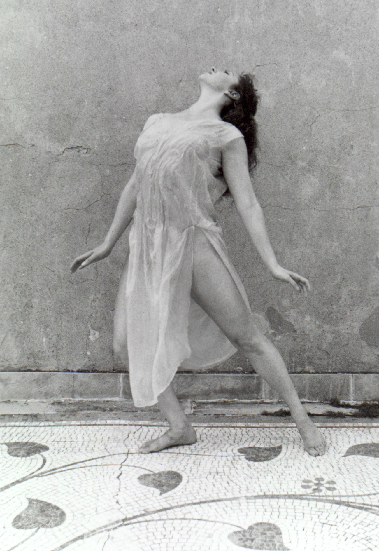 Nude Vibrations Isadora Duncans Creatural Aesthetic Modernism