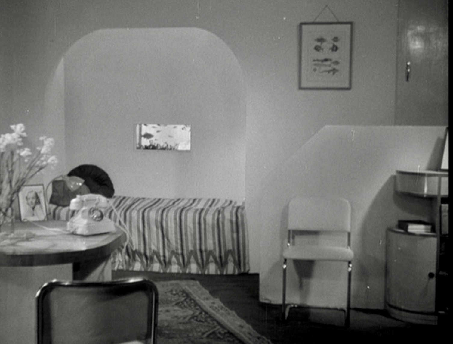 A modern city flat in The Fairy of the Phone (1936).