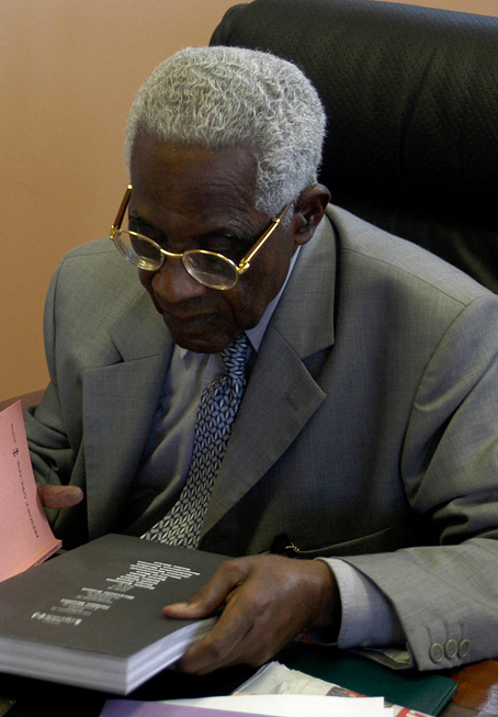 Aimé Césaire, 2003. Image courtesy Wikimedia Commons.