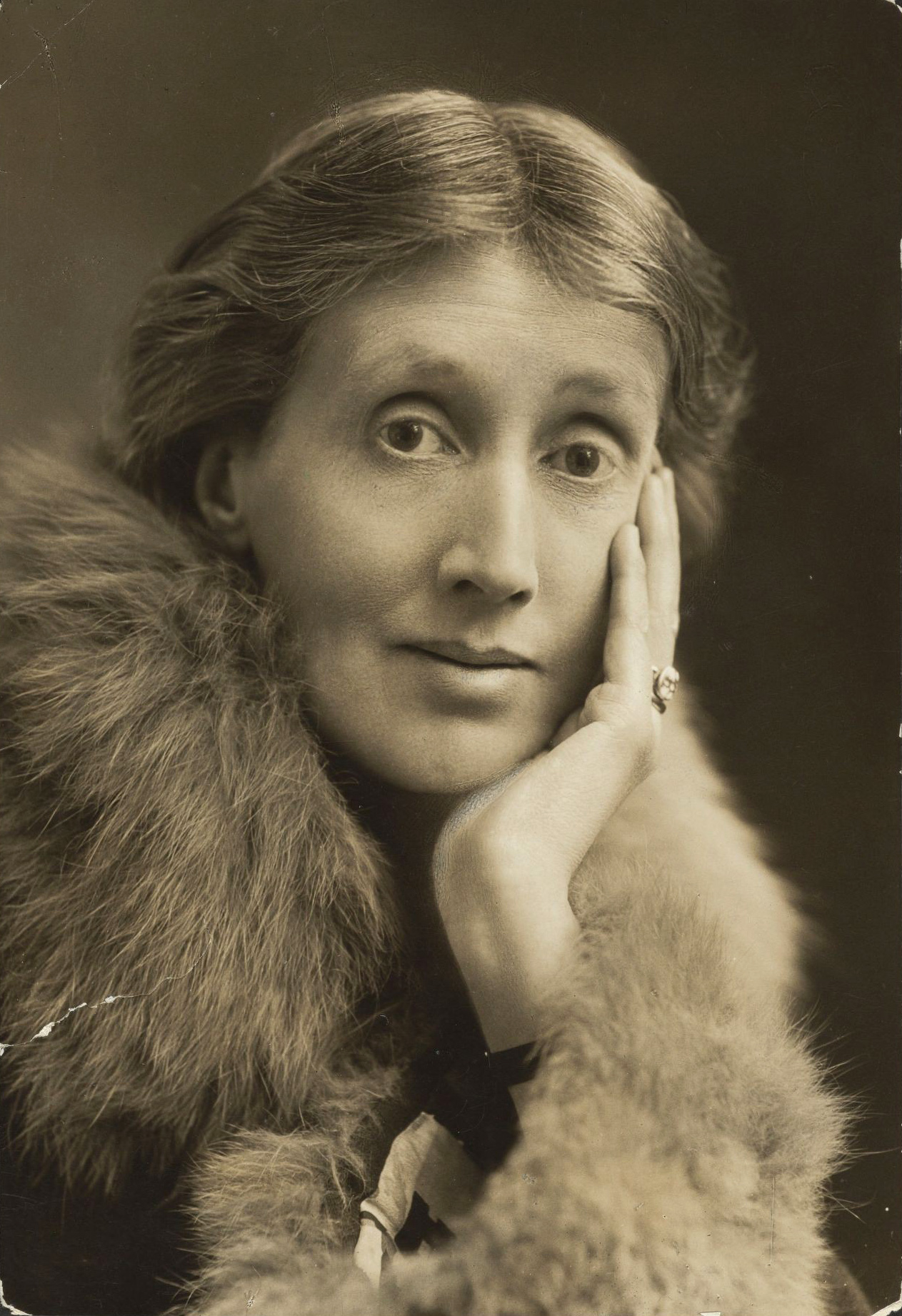 Virginia Woolf, c. 1927. Image courtesy Wikimedia Commons.