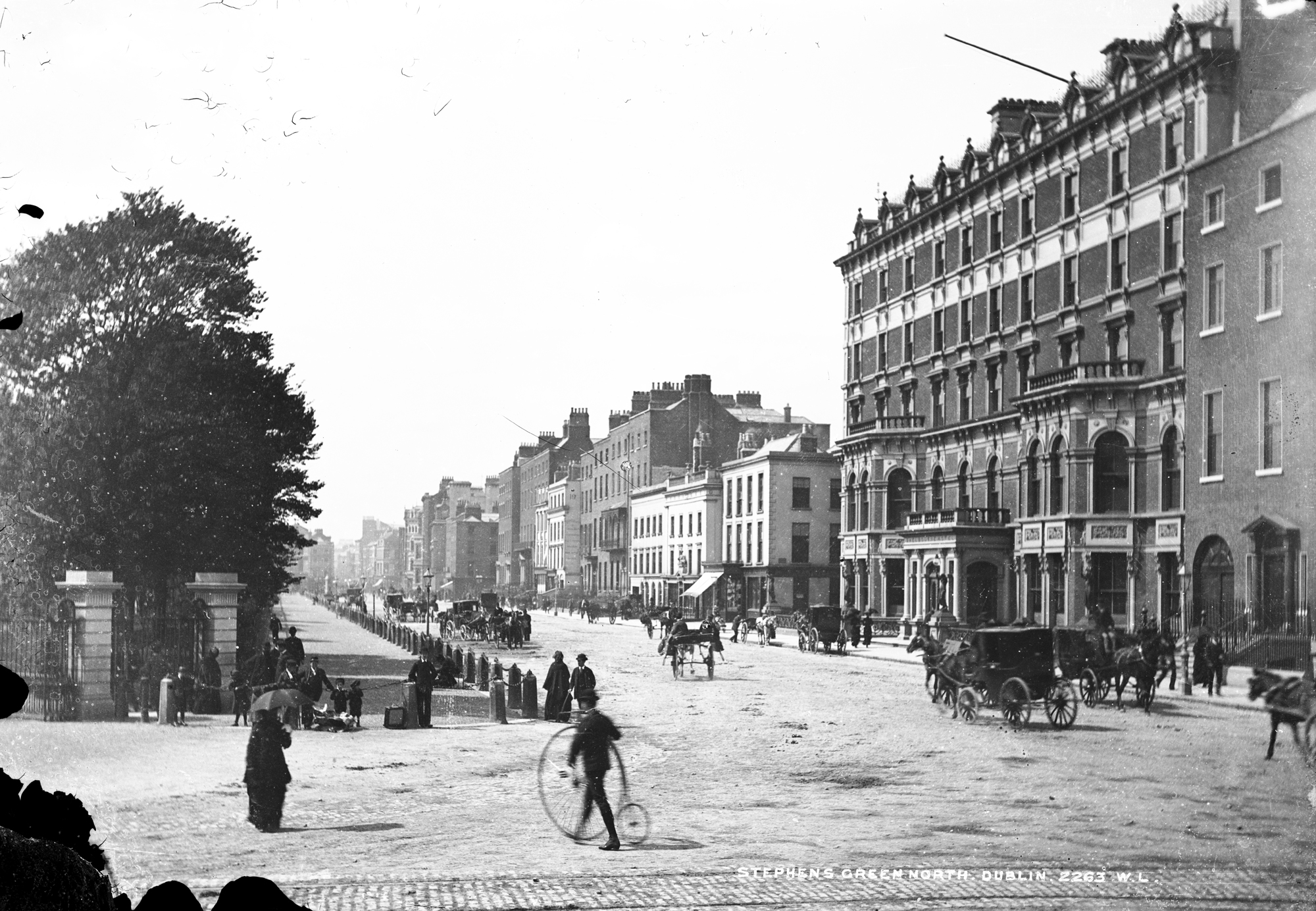 St. Stephen's Green, Dublin City, showing the Shelbourne Hotel, c. 1880–1900.