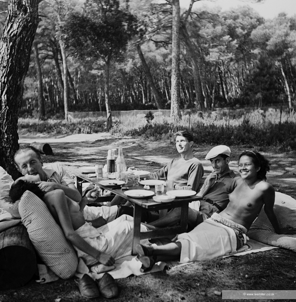 Lee Miller, Picnic (Adrienne Fidelin, Man Ray, Roland Penrose, Paul and Nusch Eluard)